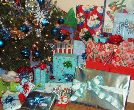 blue-christmas-gifts-002