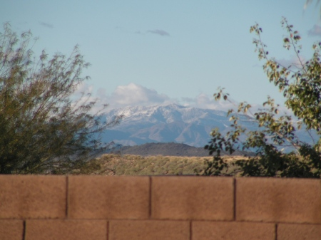snow-mtns-red-shoes-038