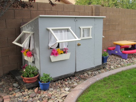 Playhouse Finished! 001